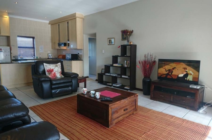 Bloubergstrand Self Catering – Waves Edge FG6