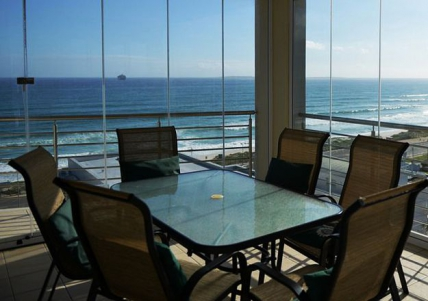 Cape Town Holiday Rental - The Waves 701
