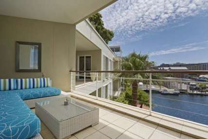 Cape Town Holiday Rentals - 201 Carradale