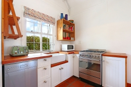 Cape Town Holiday Rental - Whalers Cottage