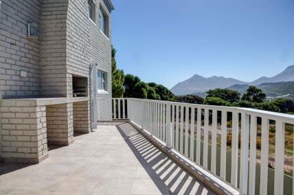 Cape Town Holiday Rental - Helen