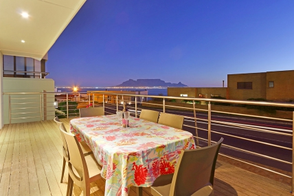 Bloubergstrand Self Catering – 8 Sir David Baird