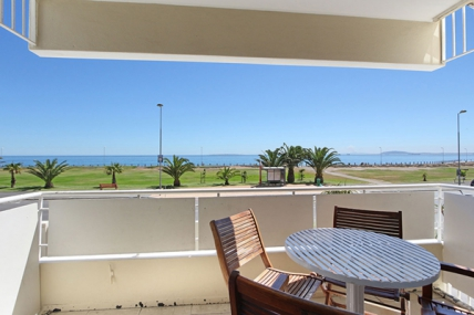 Cape Town Self Catering Accommodation - Mouille Point Village Classic 2 Bed Apartment