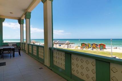 Cape Town Holiday Rental - Surfers Corner - 2 Bedroom Sea Facing