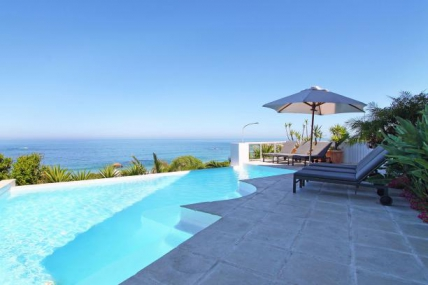 Camps Bay Self Catering – Beach Villa 1