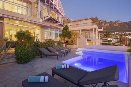 Cape Town Self Catering Accommodation - Beach Villa 1