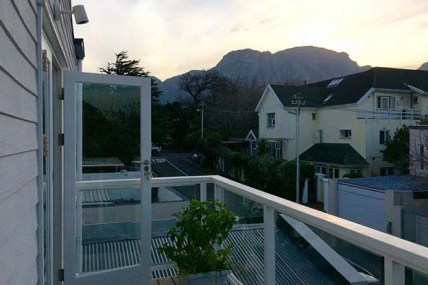 Cape Town Self Catering Accommodation - 1 Cricklewood Place – Luxury Holiday Home