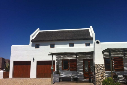 Cape Town Holiday Rentals - Skulpie Accommodation
