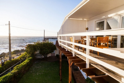 Cape Town Holiday Rental - Sunny Cove-Apartment 9