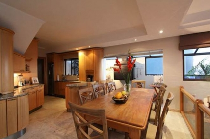 Cape Town Self Catering Accommodation - Mellish Beach House
