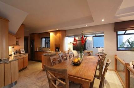 Big Bay Accommodation - Mellish Beach House