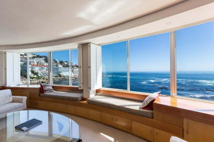 Cape Town Holiday Rentals - Seacliffe 202-203