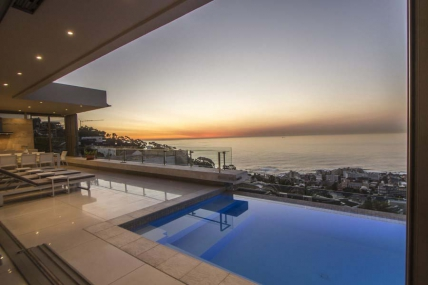 Cape Town Holiday Rentals - Nautica