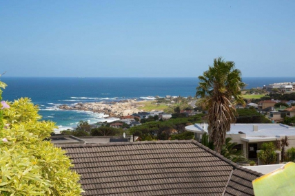 Cape Town Self Catering Accommodation - Dolphin Crest Villa