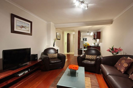 Cape Town Holiday Rentals - 107 Piazza