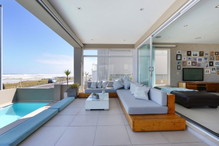 Cape Town Holiday Rentals - Beach House Villa  106