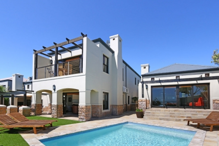 Cape Town Holiday Rentals - Dolphin View Villa 2