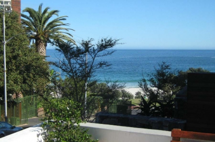 Cape Town Self Catering Accommodation - Bay Beach Villa