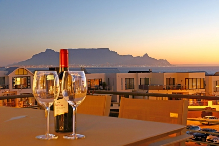Cape Town Self Catering Accommodation - Eden On The Bay 211
