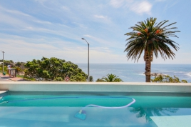 Cape Town Self Catering Accommodation - Beach View​ Luxury Apartment