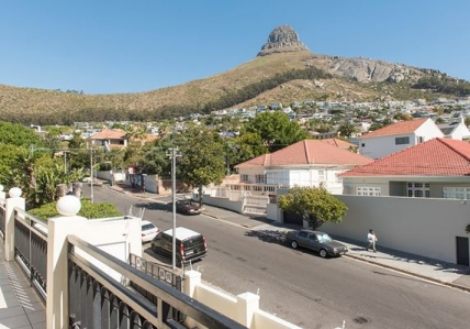 Cape Town Self Catering Accommodation - Fresnaye Studio