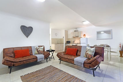 Cape Town Self Catering Accommodation - Azure 11
