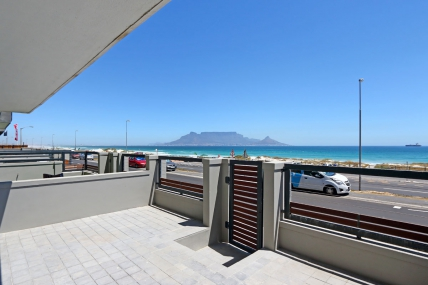 Bloubergstrand Self Catering - Sea Crest A002