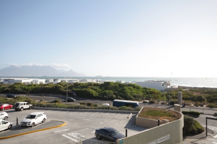 Bloubergstrand Self Catering – B24 Seaside Village