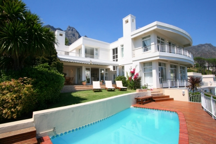 Camps Bay Accommodation – Tree Rd Villa
