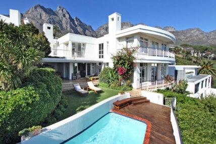 Camps Bay Self Catering - Tree Rd Villa