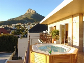 Cape Town Holiday Rentals - Beachside Penthouse