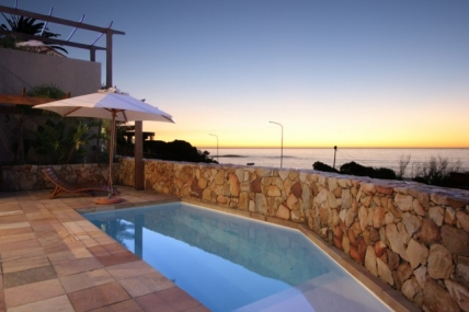 Cape Town Self Catering Accommodation - Glen Beach Villa 1