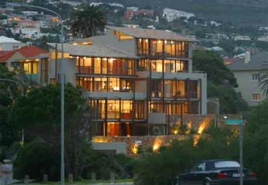 Cape Town Holiday Rentals - 1 Glen Beach Villas