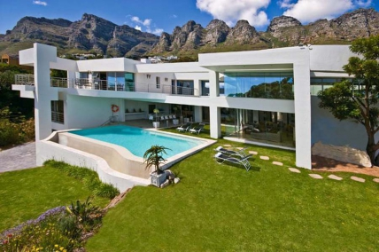 Cape Town Self Catering Accommodation - Hollywood Mansion