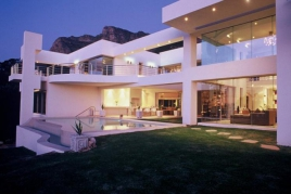 Cape Town Holiday Rentals - Hollywood Mansion