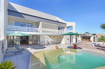 Cape Town Self Catering Accommodation - Orange Inn