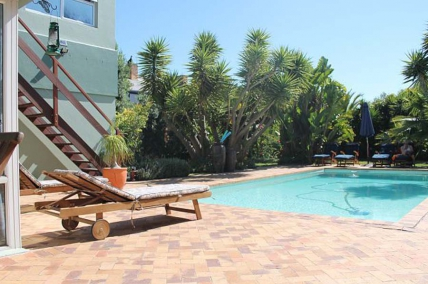 Big Bay Accommodation - Secret Garden - Strelitza Luxury Apartment