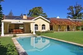Cape Town Holiday Rentals - Constantia Julia