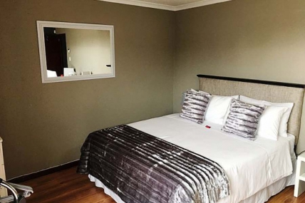 Cape Town Holiday Rental - Azura Sleep