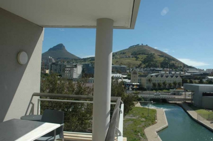 Cape Town Holiday Rental - 501 Canal Quays