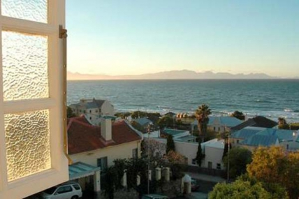 Cape Town Holiday Rental - Blue On Blue Bed and Breakfast