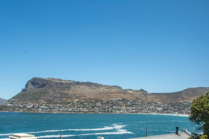 Cape Town Holiday Rental - Modern Beach Apartment