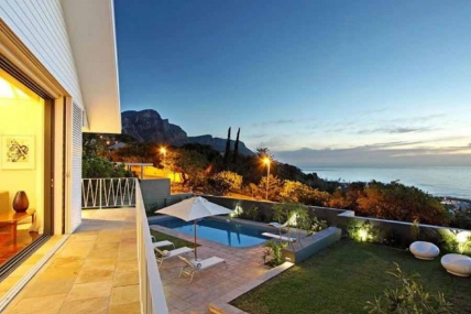 Camps Bay Self Catering – Villa LaVaya