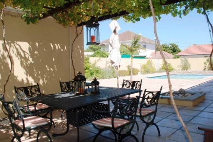 Lagoon Beach Apartments - La Roche Guest House