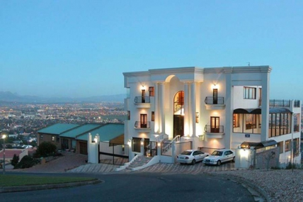 Cape Town Holiday Rental - Keret Garden Views Apartment