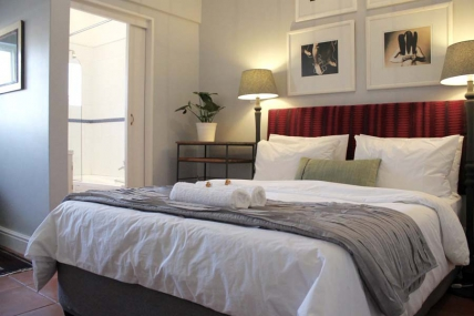 Cape Town Self Catering Accommodation - The Drawing Rooms on 2nd