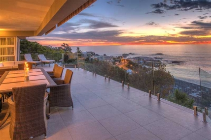 Camps Bay Self Catering – Houghton Steps