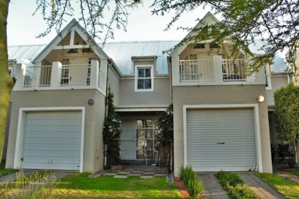 Cape Town Holiday Rental - TCV - Townhouse 27