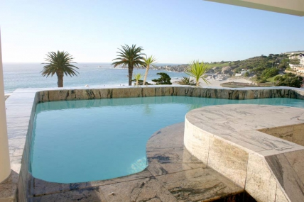 Camps Bay Self Catering – Place on the Bay