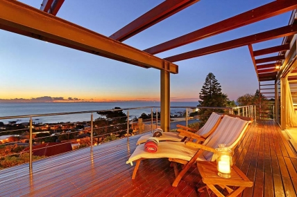 Camps Bay Self Catering – 50 On Hely Villa